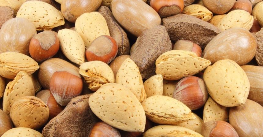 Frutta secca: amore, incantesimi e doni