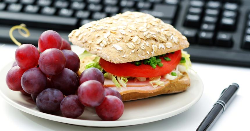 La dieta per chi pranza fuori casa - Parcheggiano davanti casa cosa si puo fare ...