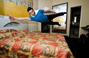 Superman e Plank: super eroi? No! Gli esercizi migliori per addominali perfetti!