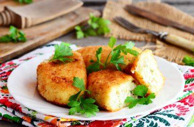 Tortini di patate con verdure julienne e crema di porri