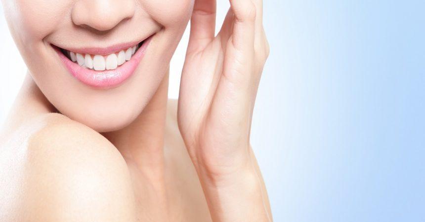 Alimenti consigliati e alimenti da evitare per mantenere i denti sani e forti