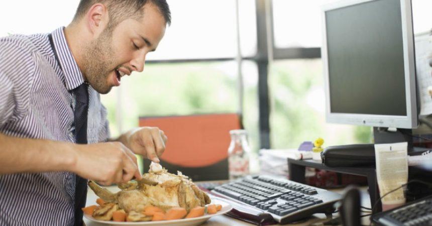 Rispettare la dieta al lavoro e rimanere in forma